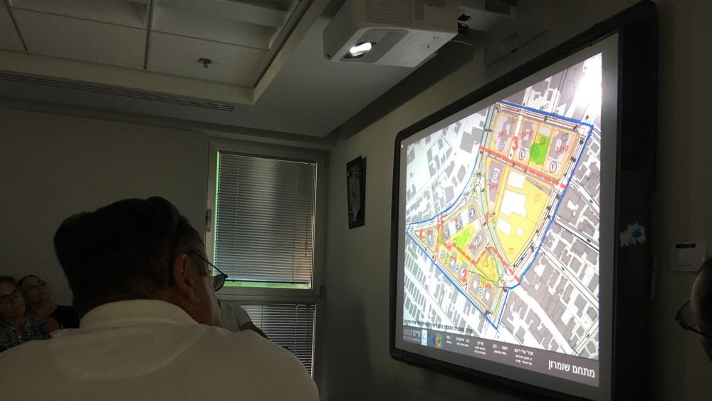 הצילומים מפגישת שיתוף ציבור שהתקיימה לתושבי שכונות בתל אביב